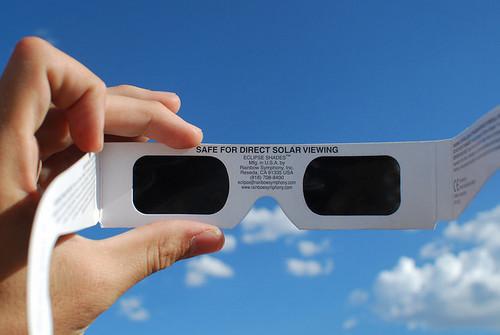 solar-glasses_nowat