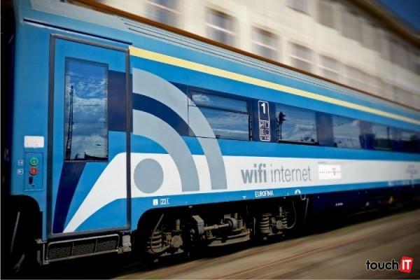 free-wifi-hungary-train