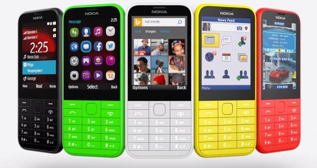 Microsoft predal divíziu hlúpych telefónov. Kúpil ju Foxconn