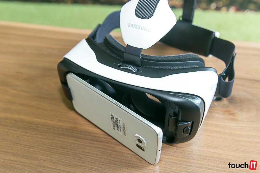 473b87dbb VIDEO touchIT: Okuliare pre virtuálnu realitu Samsung Gear VR Innovator  Edition