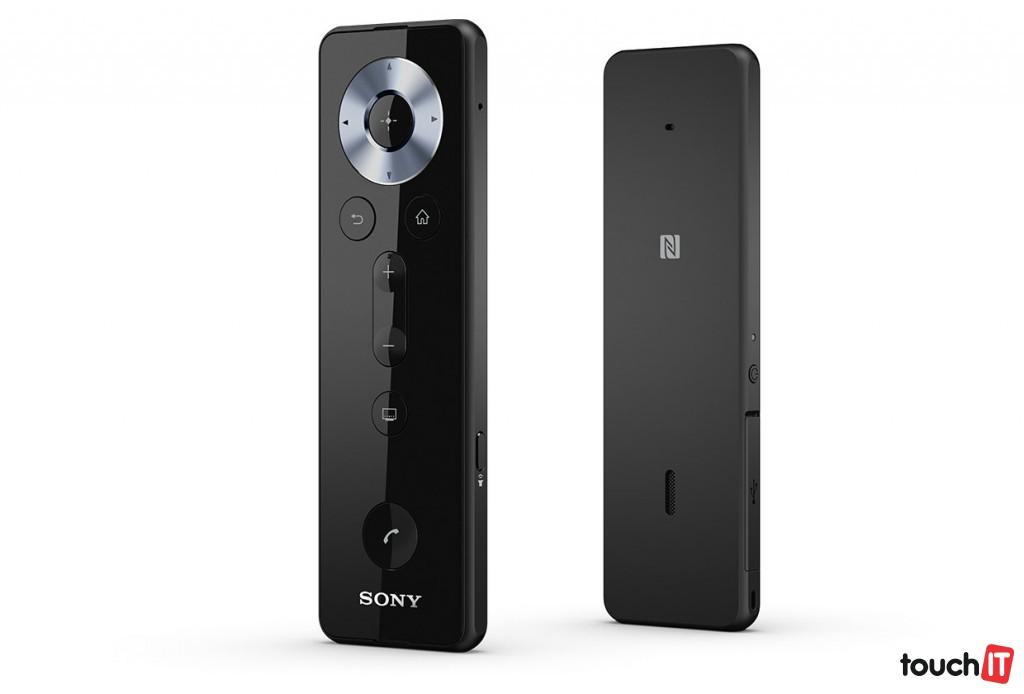 Sony Remote and Handset BRH10 je šikovná kombinácia diaľkového ovládača a handsfree súpravy. Cena je 69,90 Eur