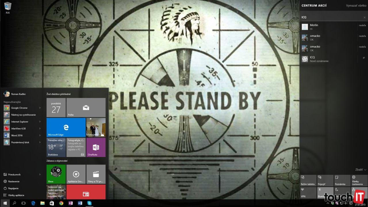 Toto sa stane po stlačení tlačidla Štart na Windows 10. Do pozornosti dávame pravú bočnú lištu. Tu vyvoláte kliknutím na tlačidlo s oznámeniami (naľavo od hodín v pravom spodnom rohu). Bočný panel je konečne lepšie využitý a zobrazuje oznámenia