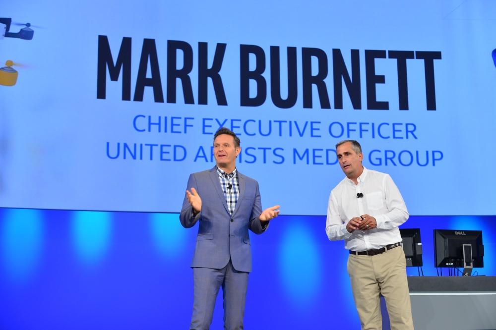 Intel hľadá novú tech-superstar. Pomôže mu Mark Burnett