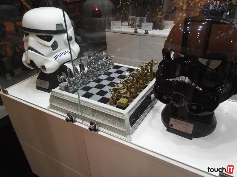 V Dubaji si kúpite takmer všetko. Aj takýto šach s tematikou Hviezdnych vojen