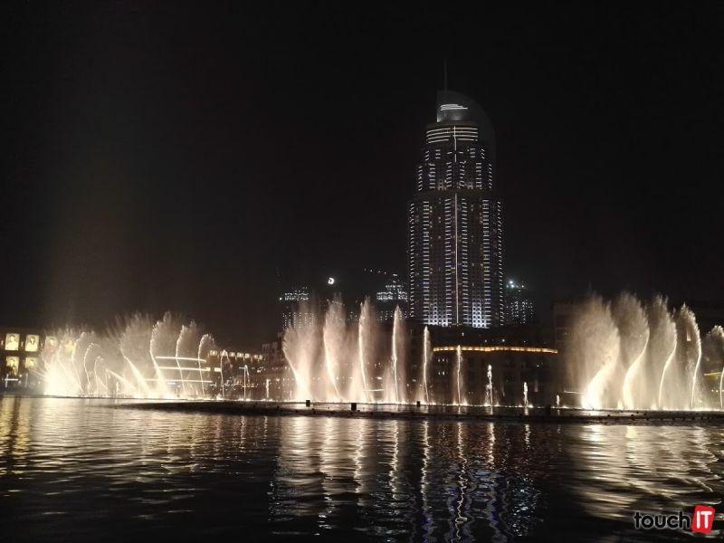 Ak pôjdete do Dubaja, tancujúcu fontánu pri Burj Khalife nevynechajte. Je to najlepšia bezplatná atrakcia