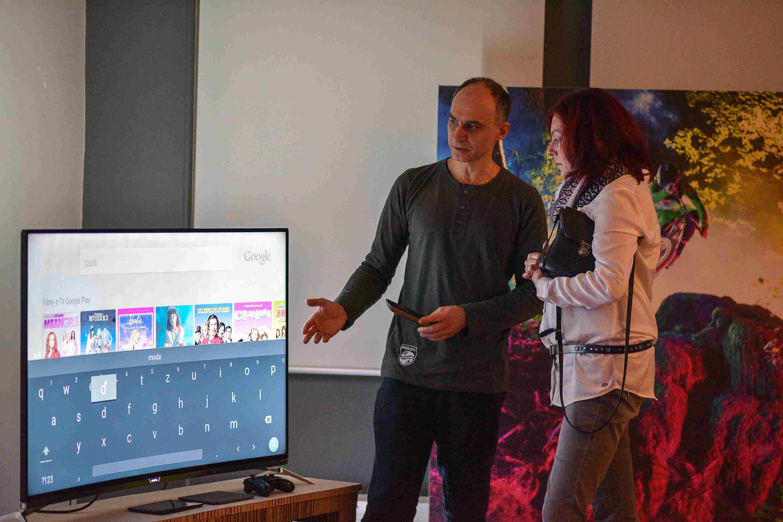 4e330b9ca Vylepšenie technológie Ambilight sa týka nielen filmov a televízie, ale  tiež hudby. Nový hudobný režim umožňuje farebne osvietiť okolie televízie  presne ...