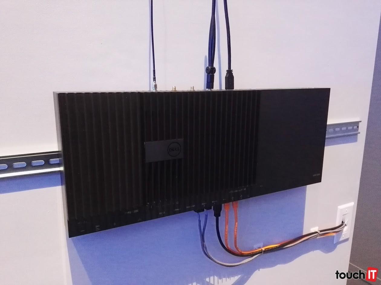Dell Gateway 5000 je prvý špeciálne navrhnutý produkt, s ktorým Dell vstupuje do Internetu vecí
