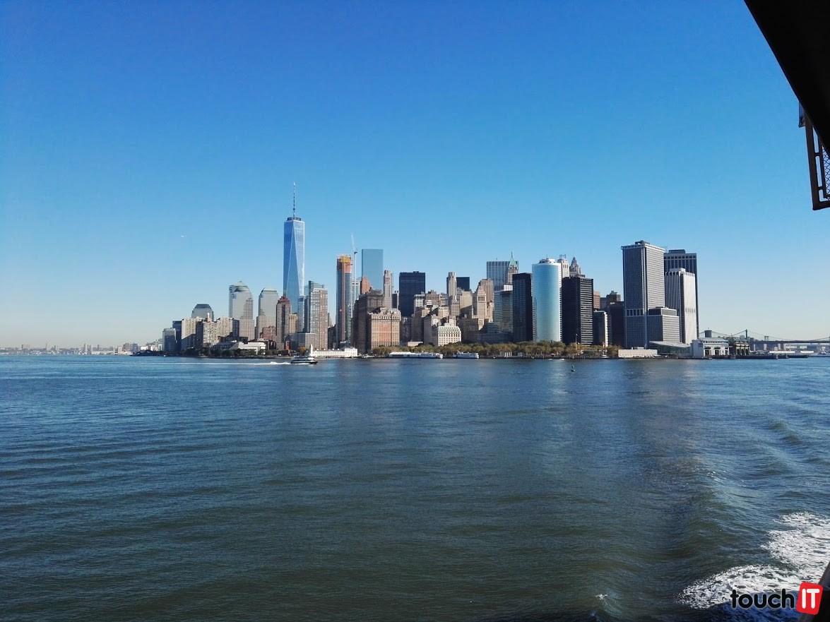 Z trajektu (píšeme o ňom na konci článku) je pekný výhľad na Manhattan