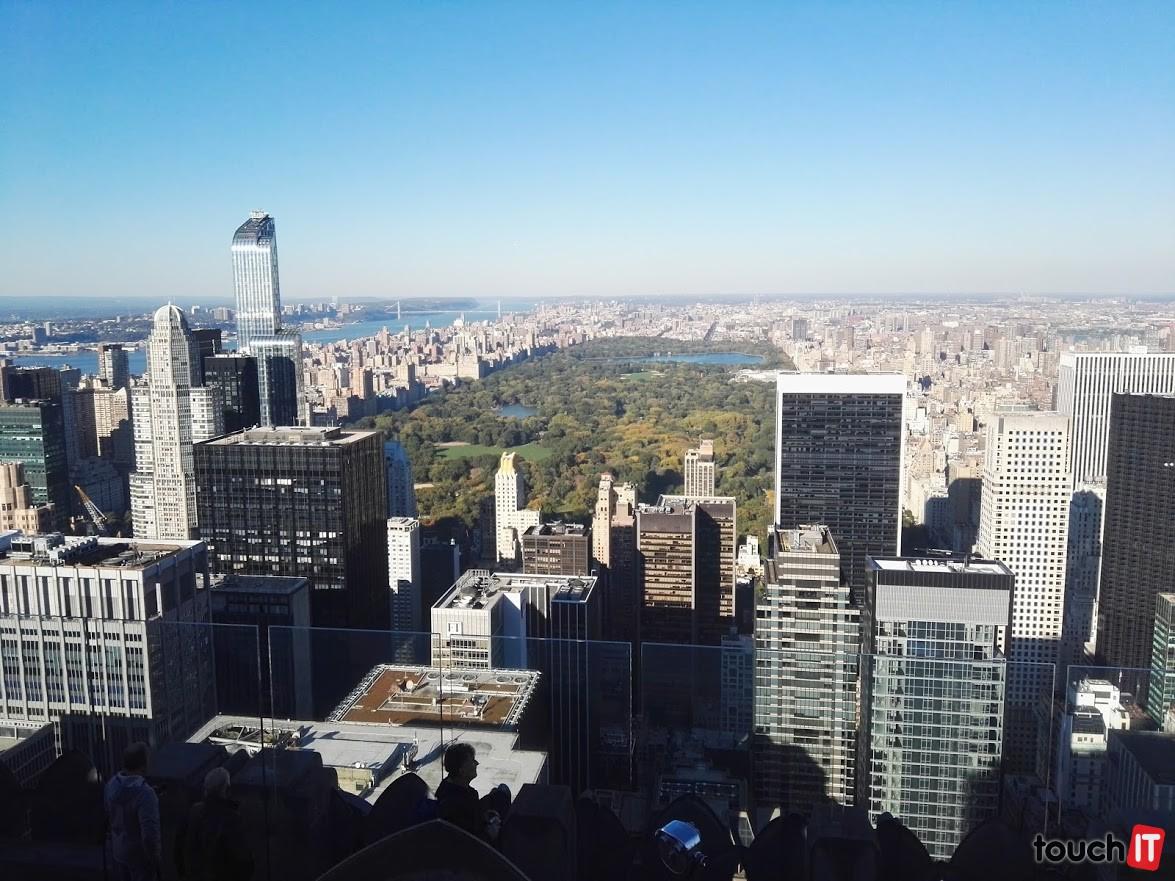 Vyhliadka Top of the Rock počas dňa. Zaujme najmä pohľadom na Central Park