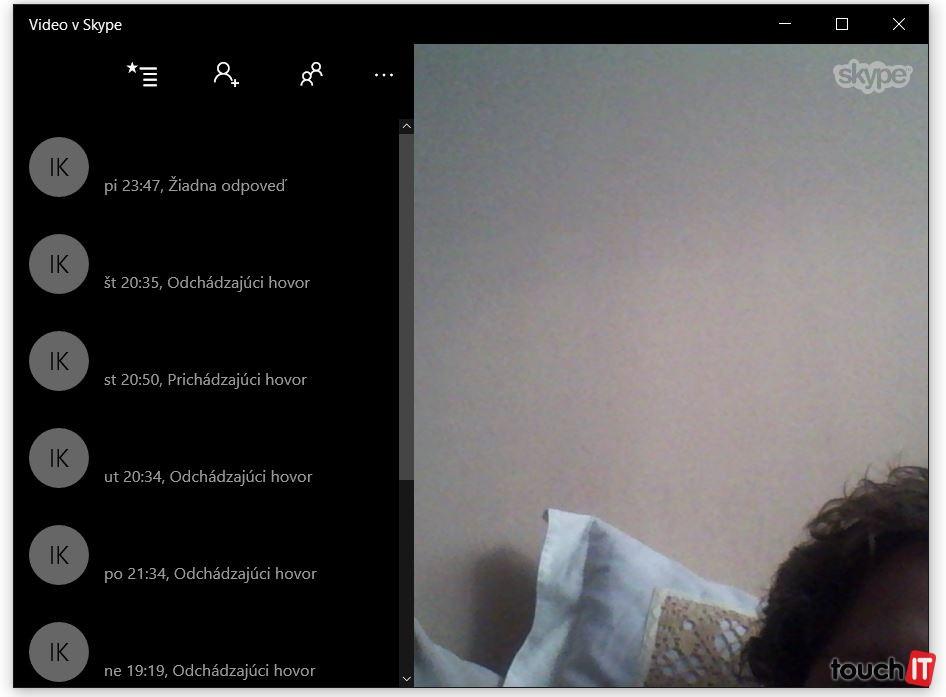 Medzi nové aplikácie patrí Telefón a Video v Skype. Môžete nimi nahradiť desktopovú aplikáciu, ale používanie je menej pohodlné. Hlavne správa kontaktov a textová komunikácia