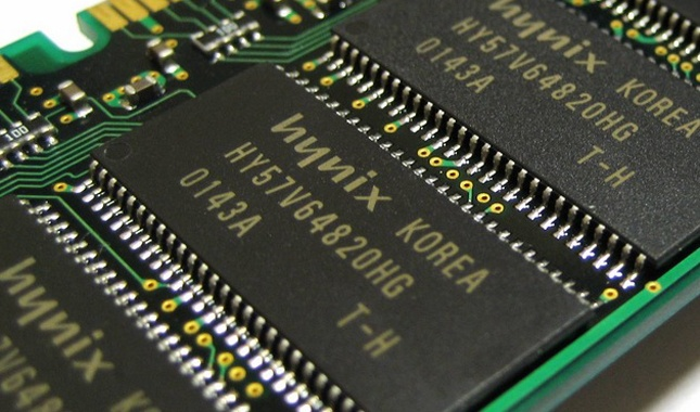 SK-Hynix-RAM-memory-chip_nowat