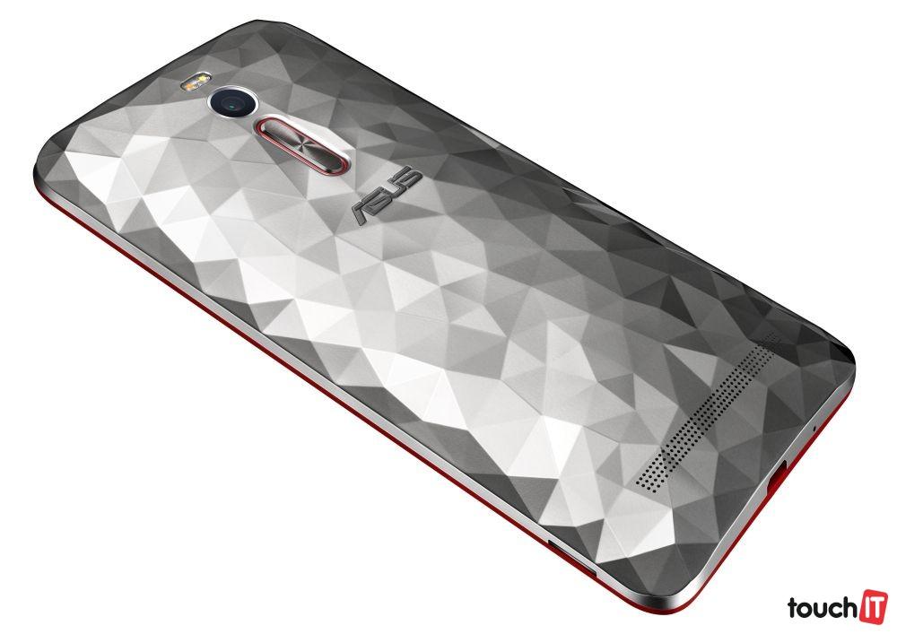 ZenFone2_Deluxe_ZE551ML_2