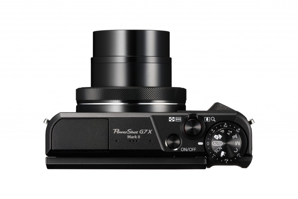 PS G7X Mk II_Lens Out Top_nowat