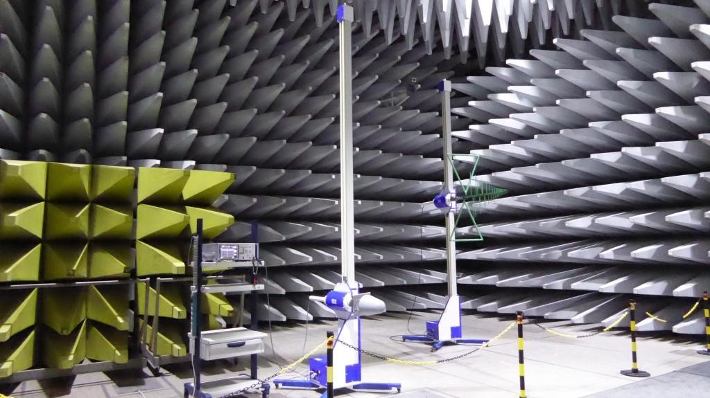 V Augsburgu testujú aj elektromagnetické rušenie. Komora je unikátna najmä veľkosťou