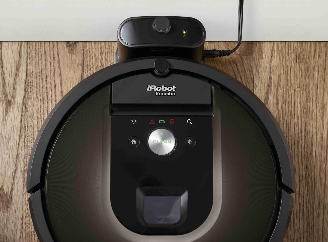 Takto vyzerá predný panel iRobot Roomba 980. Umožňuje ovládanie bez aplikácie