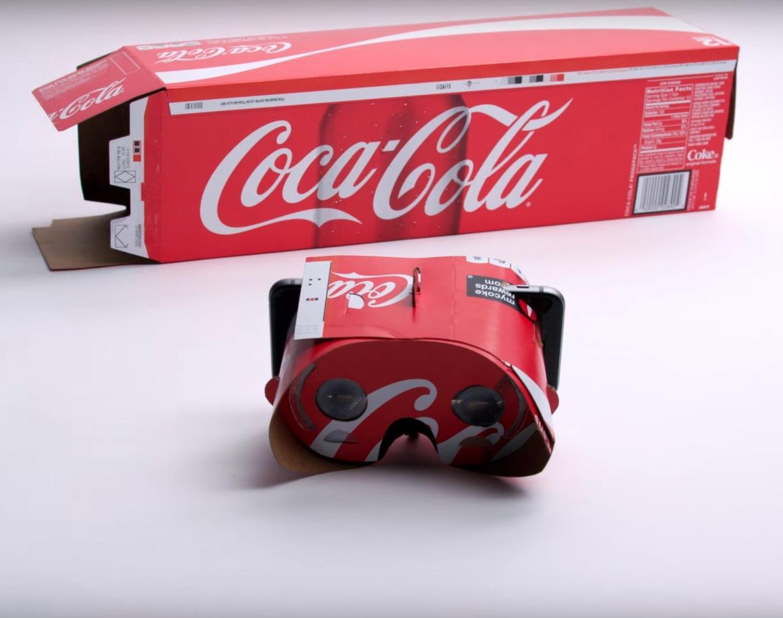 Google Cardboard v roku 2016. Na okuliare virtuálnej reality si premeníte aj balenie od Coca-Coly