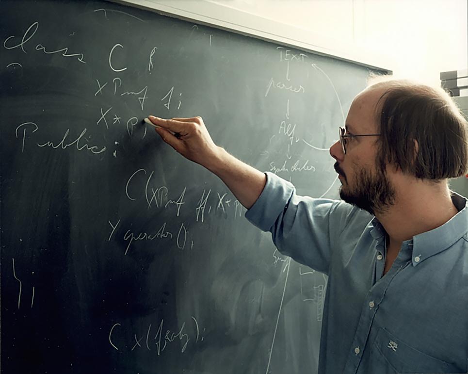 Bjarne Stroustrup, vedúci programovej divízie Bell Labs, tvorca programovacieho jazyka C++