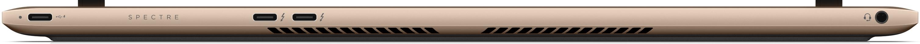 Zadná strana s portami, trojica USB-C a audioport