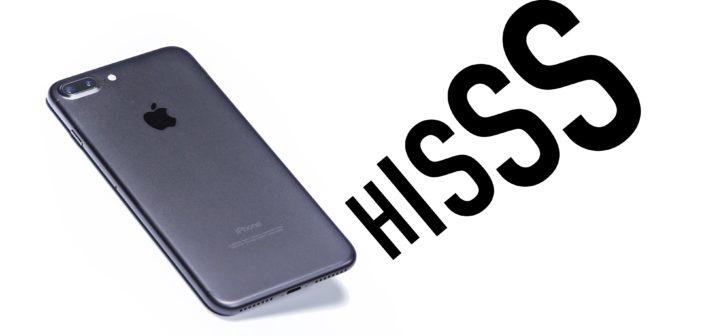 Používatelia sa sťažujú: niektoré iPhone 7 pri záťaži syčia