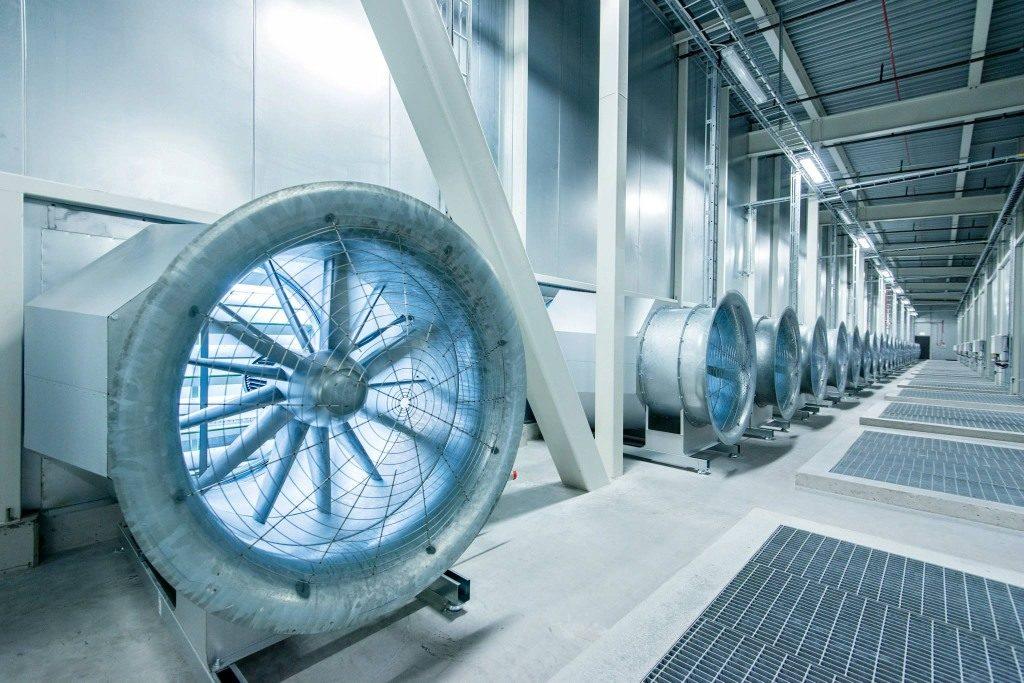 Turbína na vháňanie vzduchu do dátového centra Facebooku vo švédskom meste Luleå, neďaleko polárneho kruhu