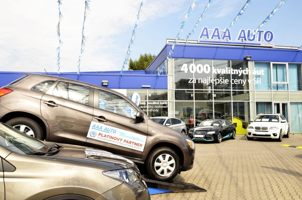 Najväčší obchodník s ojazdenými automobilmi AAA AUTO oslavuje 25 rokov na  trhu addc50fa08f
