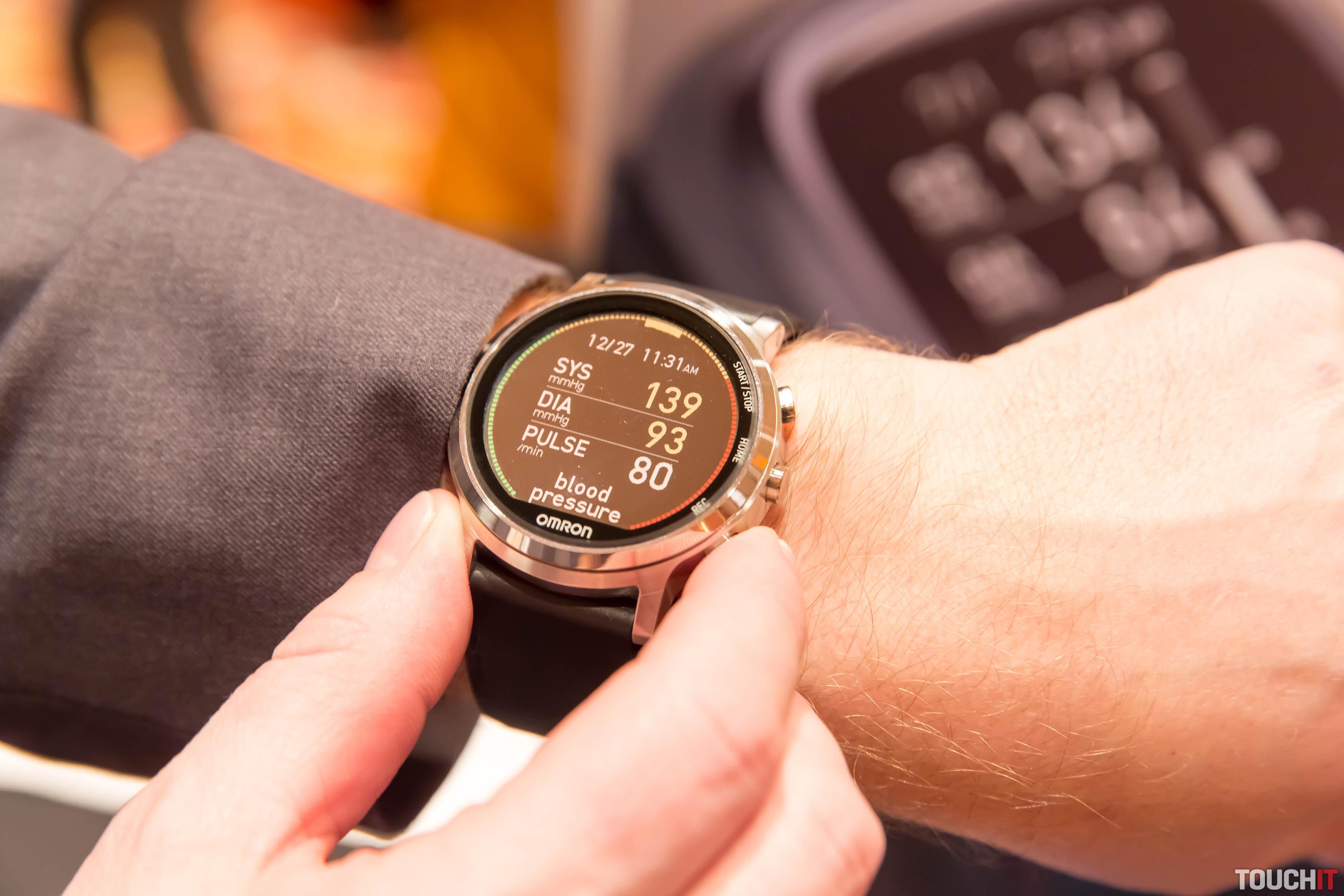 c6a516568 Meranie tlaku krvi na zápästí, kedykoľvek chcete (CES) | TOUCHIT