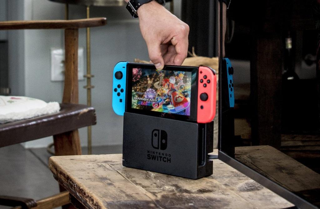 a089943a7 Recenzia Nintendo Switch: Prvá herná konzola, ktorá kombinuje mobilné  hranie aj konzolu do obývačky