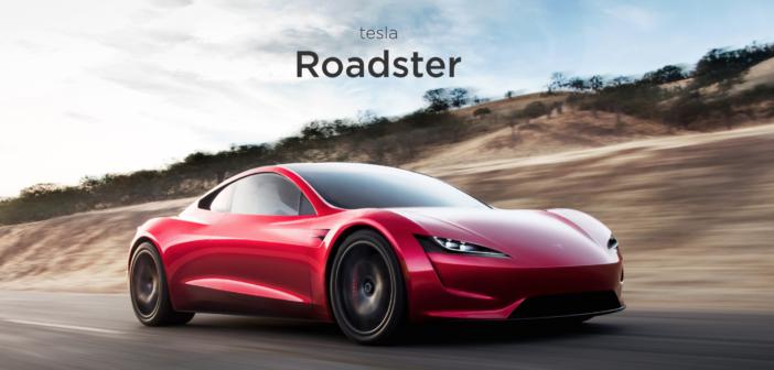 Tesla Roadster – Tri motory, dojazd 1000 kilometrov amax. rýchlosť 400 km/h