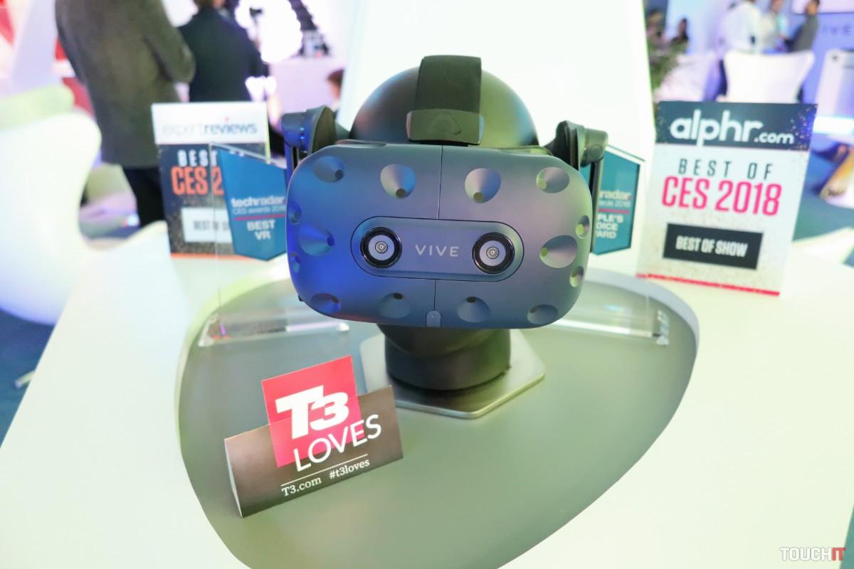 38df7ffcb ... HTC Vive Pro je to najlepšie VR zariadenie, ktoré sme mali možnosť si v  Las Vegas vyskúšať. Cena a dostupnosť pre náš trh nebola zatiaľ oznámená.