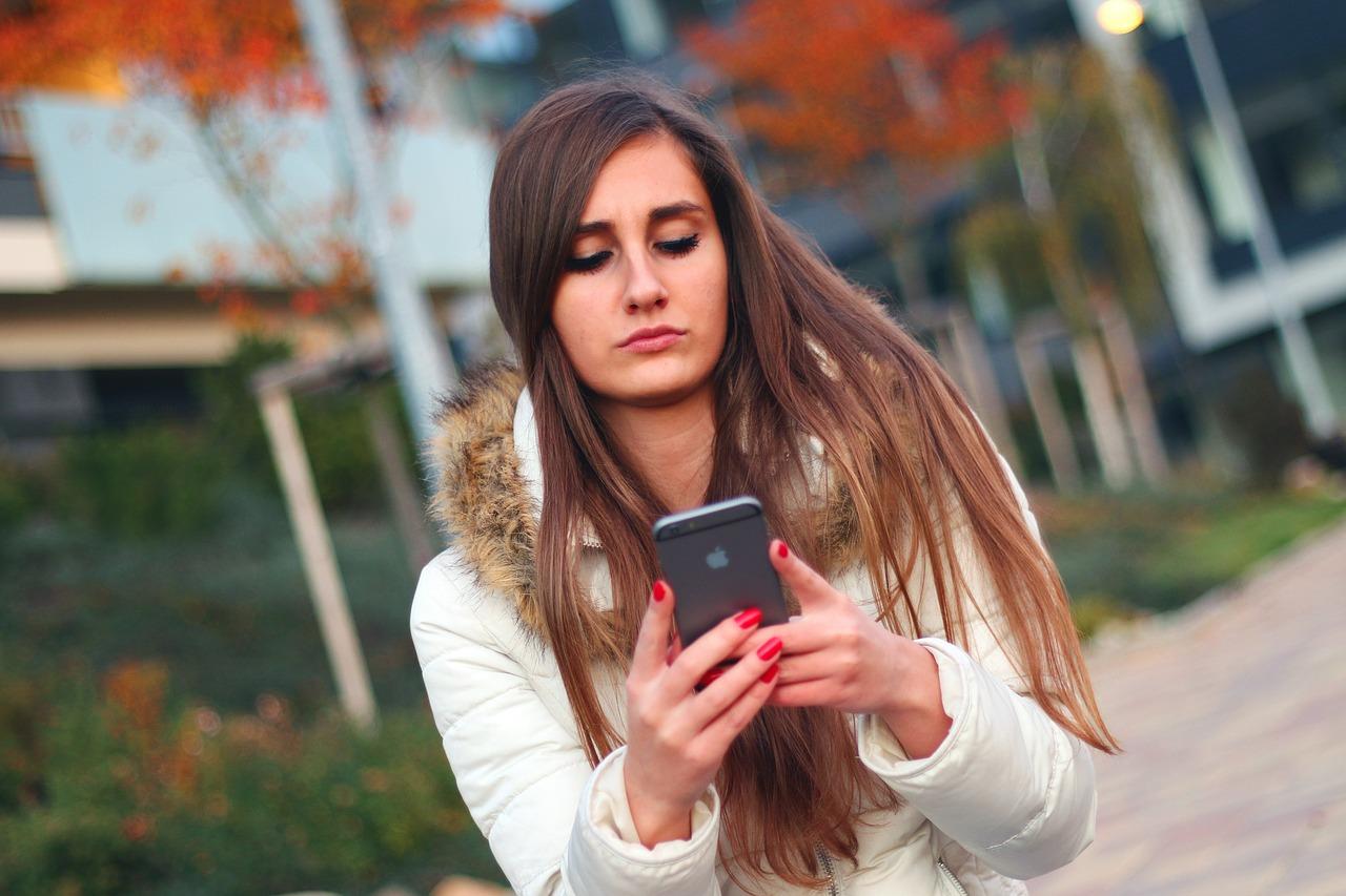 sex videá pre mobilné telefóny niked grls