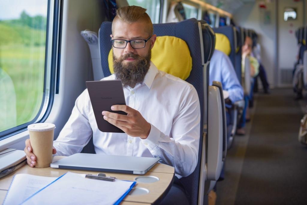 DUEL čítačiek kníh: Energy eReader Max vs  PocketBook InkPad 3 | TOUCHIT