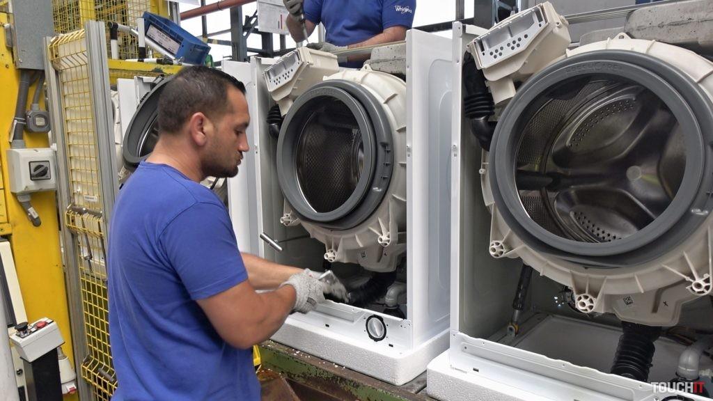 Výroba práčok vo Whirlpool Poprad. Zdroj: Ondrej Macko/TOUCHIT.sk