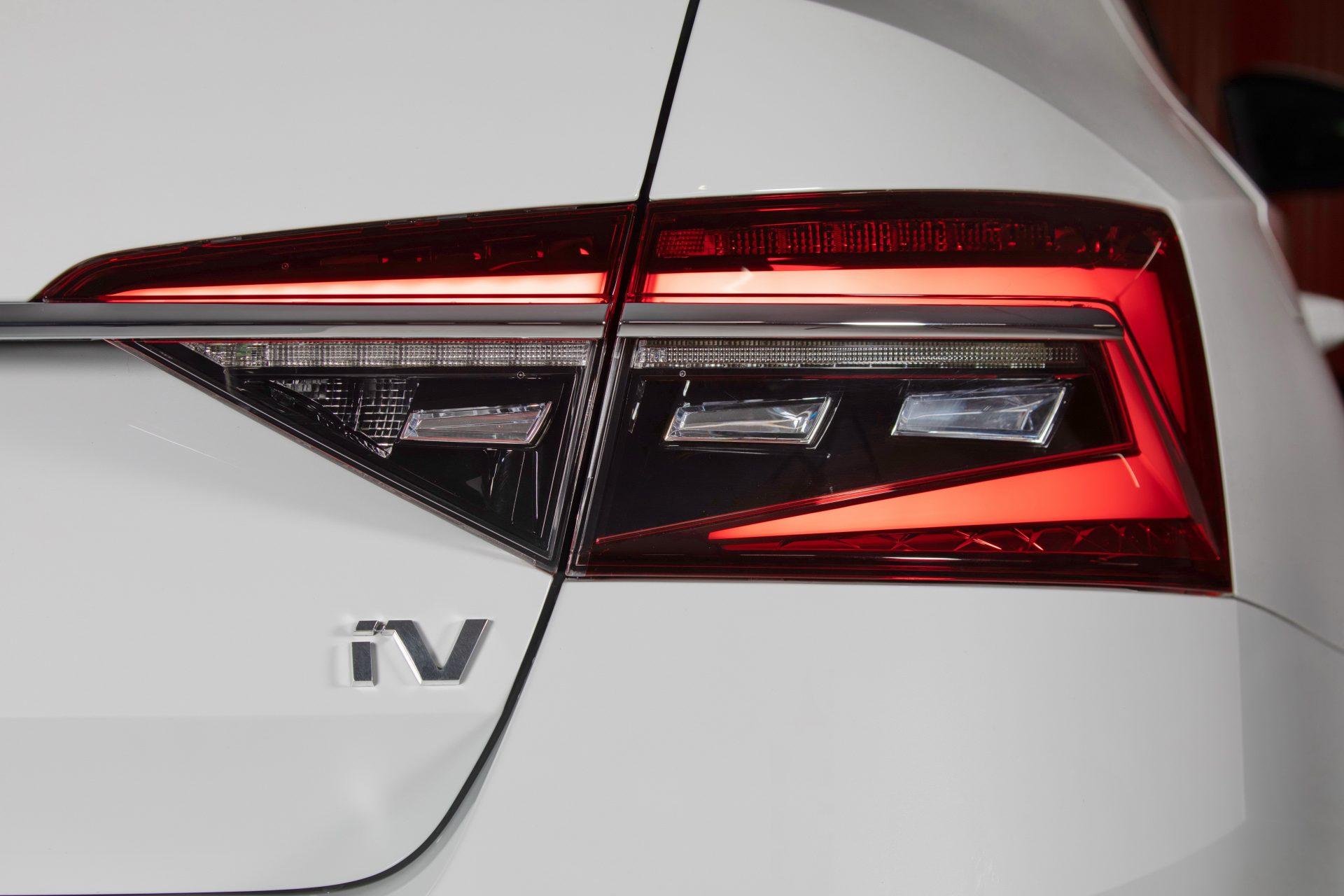 Plaketa Škoda SUPERB iV