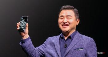 Nový šéf Samsung divízie mobilov, Roh Tae-moon sa mohol pokojne usmievať. Už vie, že má v ruke silní zbrane