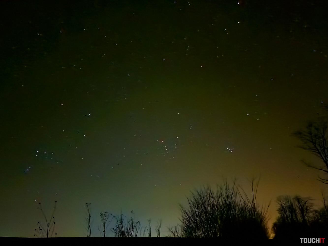 Nočná fotografia s telefónom Galaxy S20 Ultra