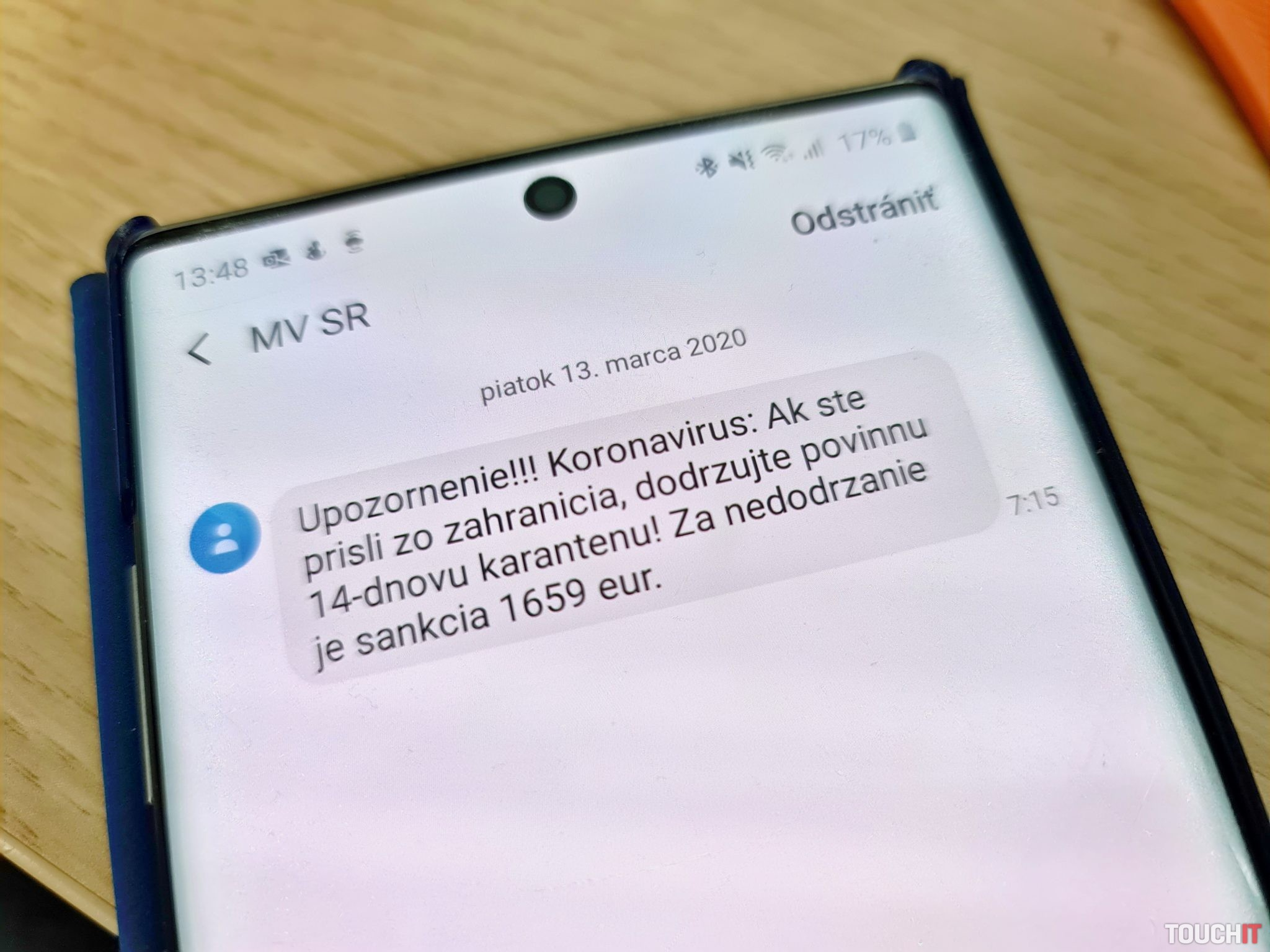 Aj poslanie takejto SMS mohlo znamenať pre veľkých operátorov poriadnu skúšku serverov
