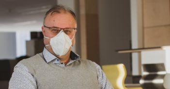 Ondrej Macko počas online konferencie v čase koronavírusu