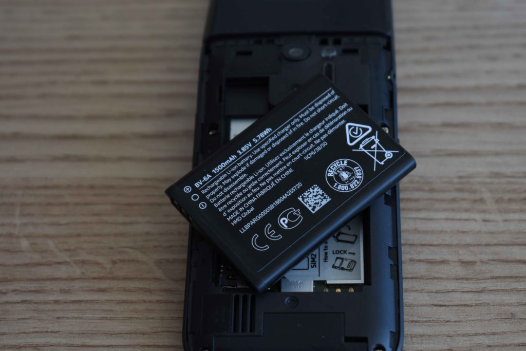 Takto vyzerá originálna batéria pre Nokia 2720 Flip