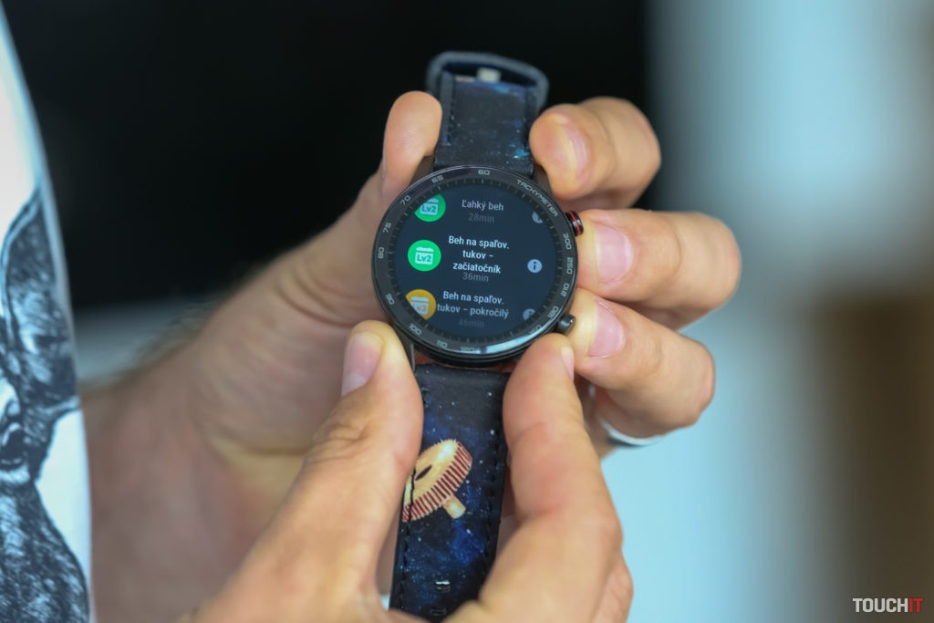 Bežecký asistent na Honor Magic Watch 2
