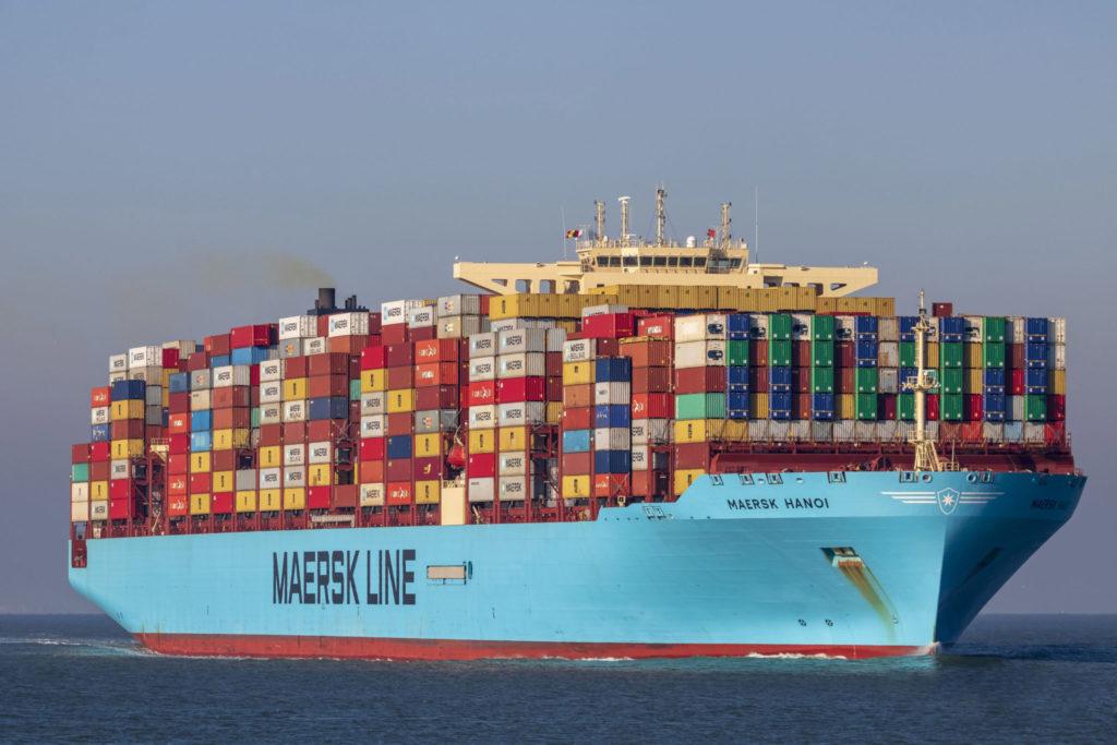 Obrovská kontajnerová loď dánskej firmy Maersk. Jednej z najväčších prepravných spoločností na svete ruský kybernetický útok zdevastoval celú IT infraštruktúru a spôsobil škody 350 miliárd dolárov