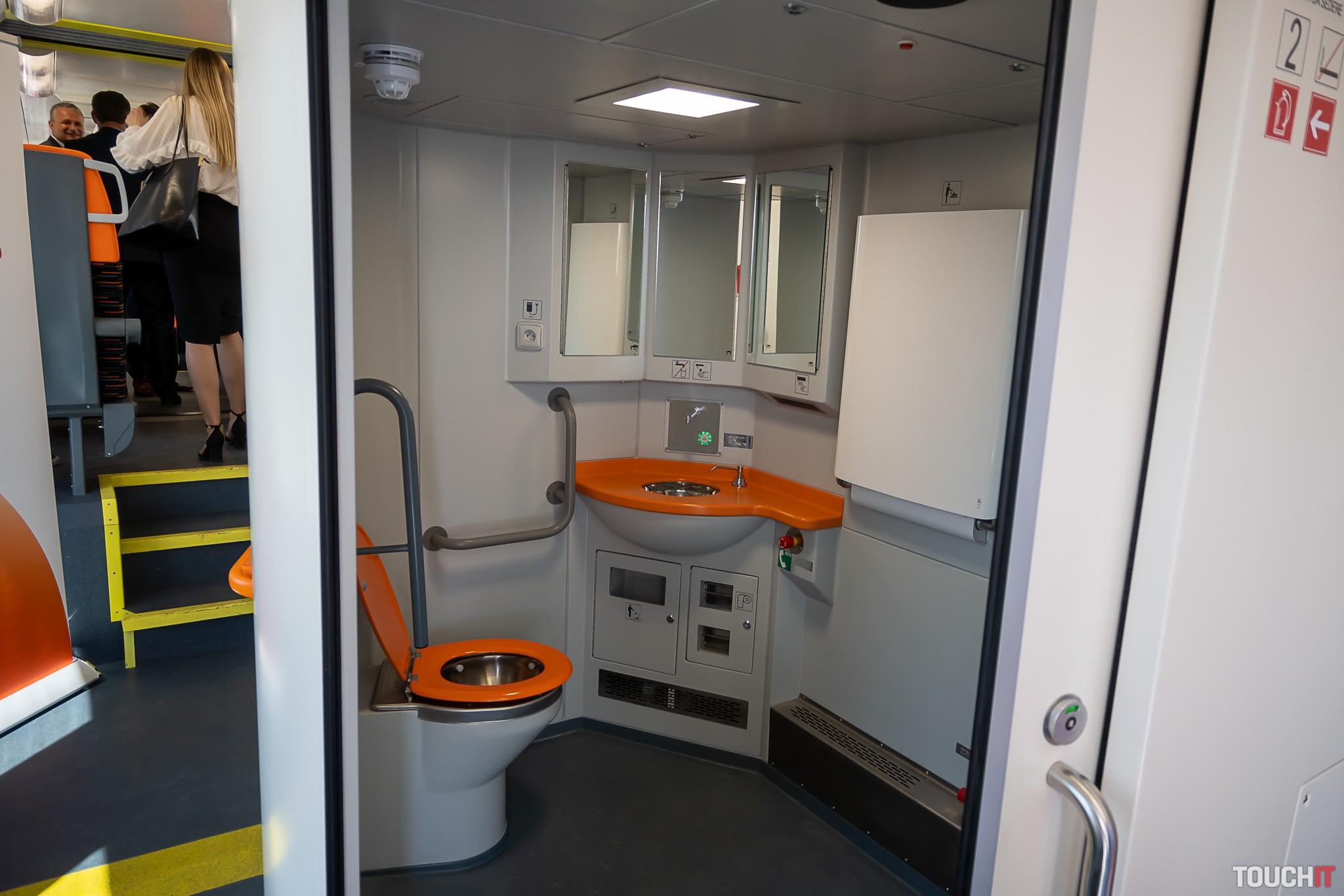 Veľkorozmerná toaleta pre telesne postinutých