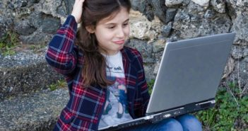girl laptop