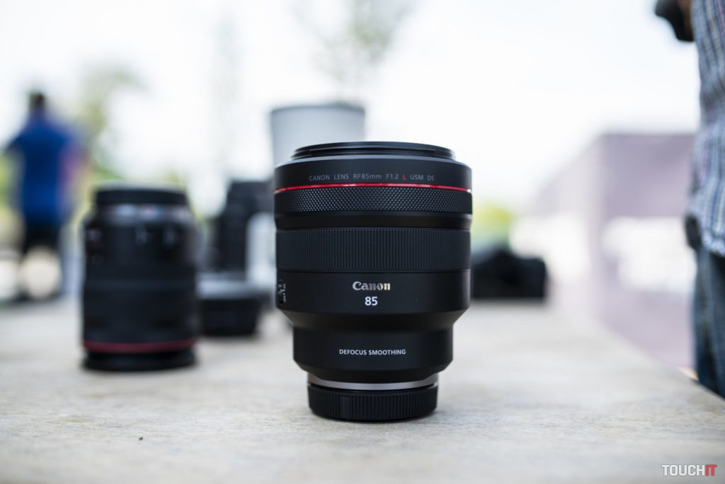Canon 85mm F1.2 L USM D5
