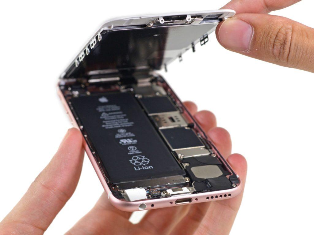 Li-ion batérie sa stali nosnou elektrickou chrbticou všetkých smartfónov