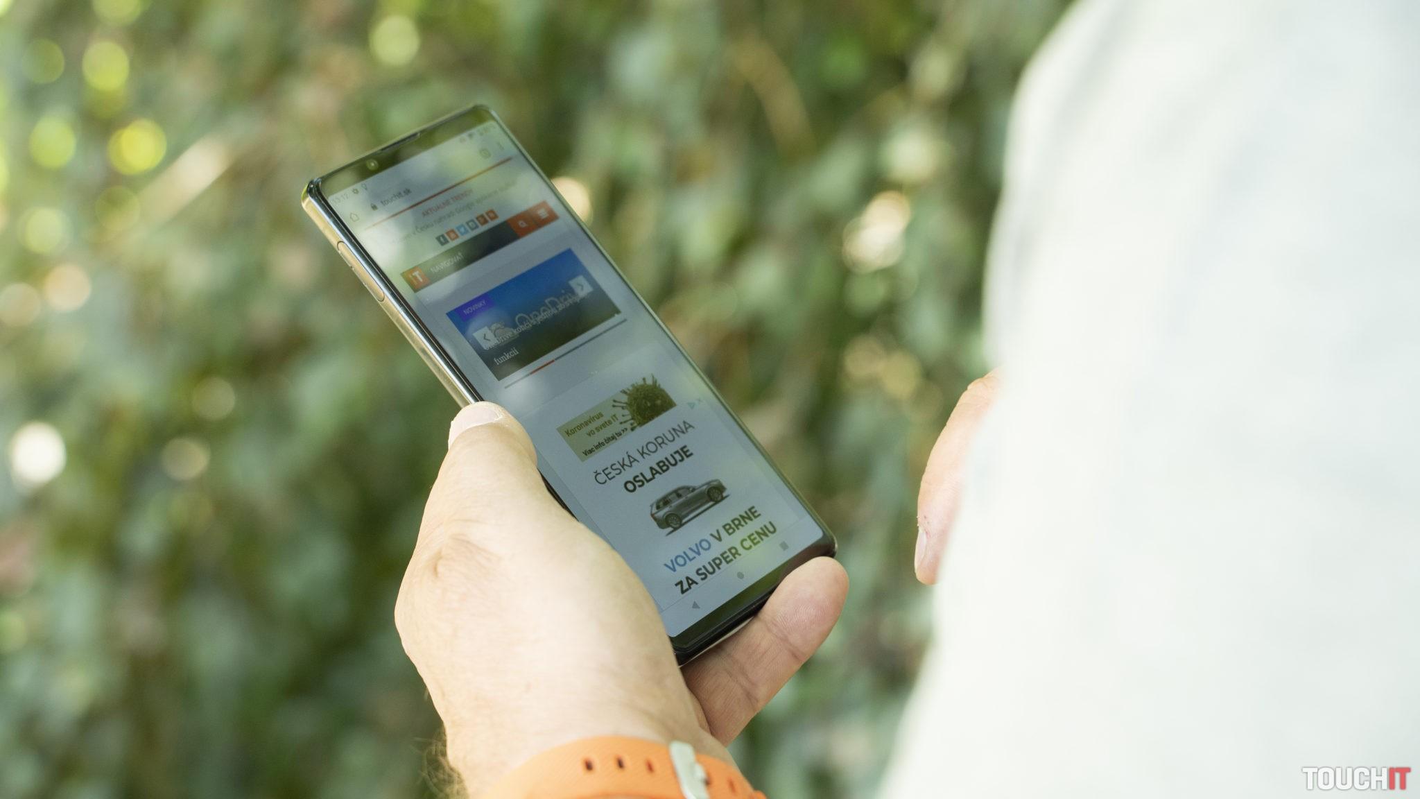 Sony Xperia 1 Mark II v teréne