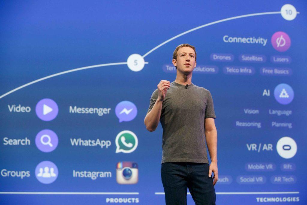 Facebook celkom dominuje oblasti sociálnych sietí a instantných komunikátorov