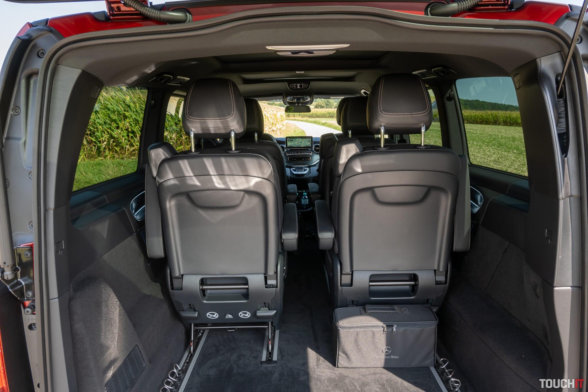 Vnútorný priestor Mercedes-Benz EQV 300 sa dá ďalej konfigurovať