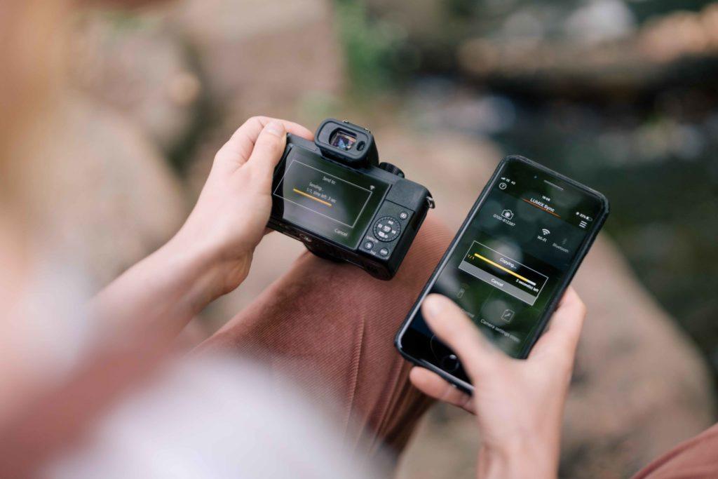 Prenos záberov zkamery do smartfónu anásledná publikácia na sociálnych sieťach