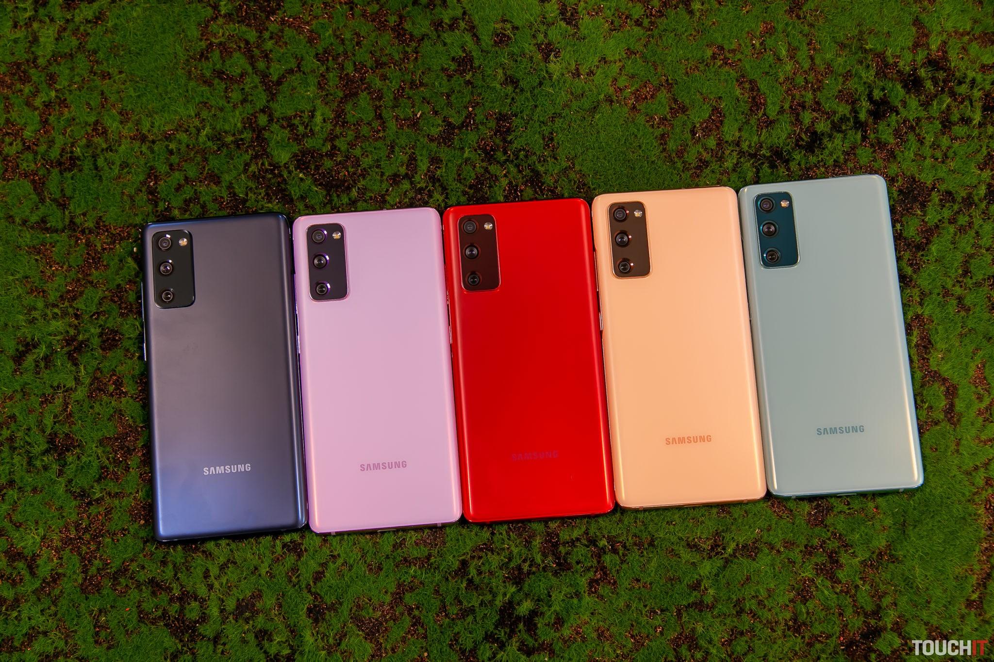 Ešte k tomu pripočítajte bielu a máte všetky farebné verzie Galaxy S20 FE