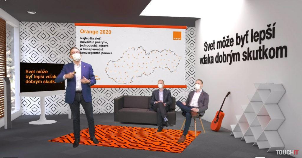 Generálny riaditeľ Orange pri online tlačovej konferencie k vianočnej ponuke